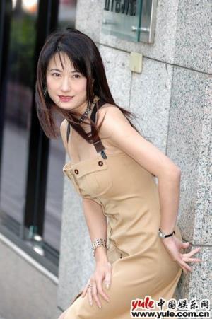 戈伟如年轻照片_戈伟如_明星档案_写真_图片_资料_照片_中国娱乐网