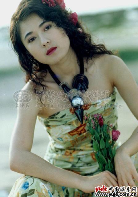 娱乐资讯_戈伟如_明星档案_写真_图片_资料_照片_中国娱乐网