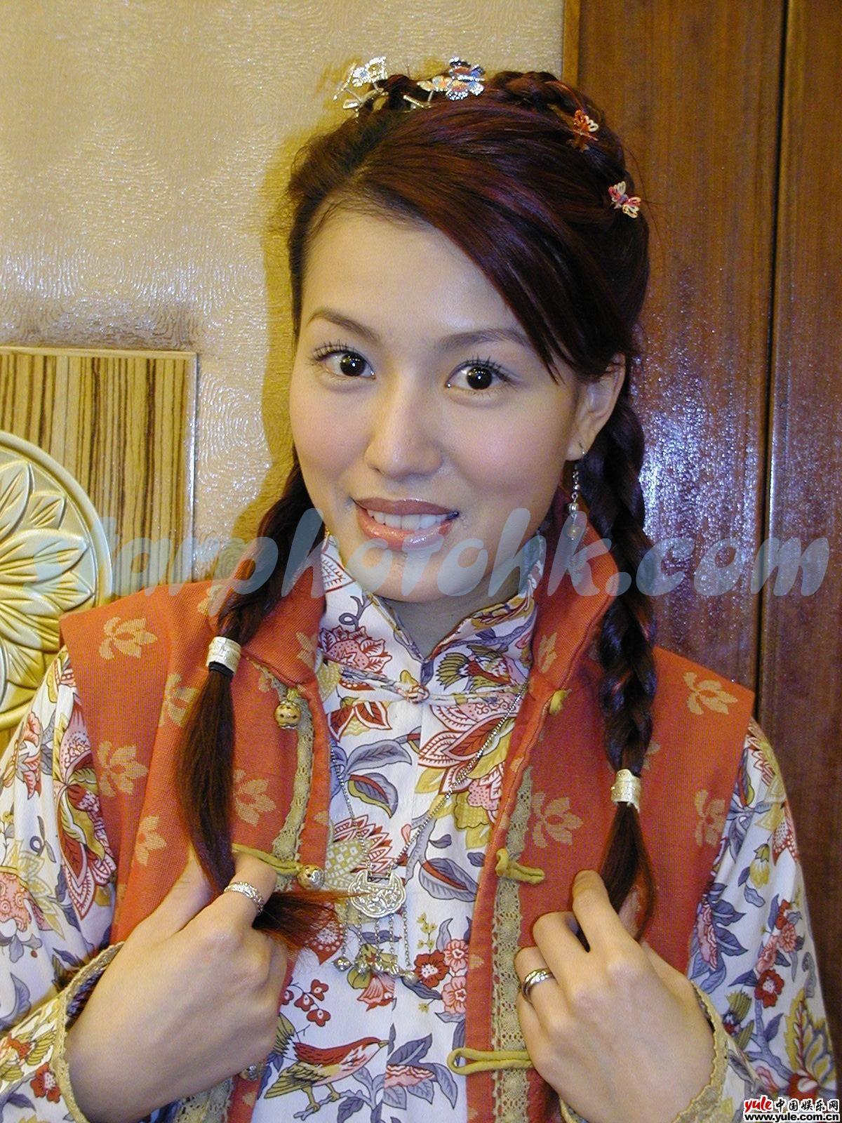 音乐资讯_黄纪莹_明星档案_写真_图片_资料_照片_中国娱乐网