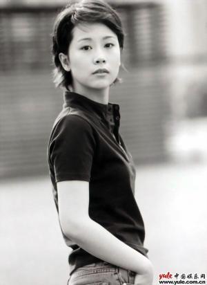 个人简介:   电影:   年份片名演员导演   2001《一见钟情》陆毅