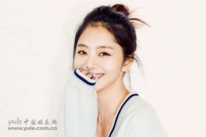 谭松韵写真笑容甜美