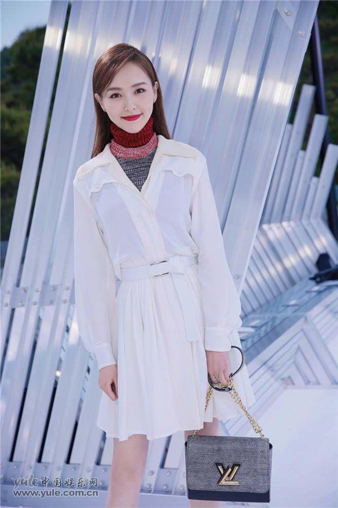 唐嫣受邀出席国际品牌大秀