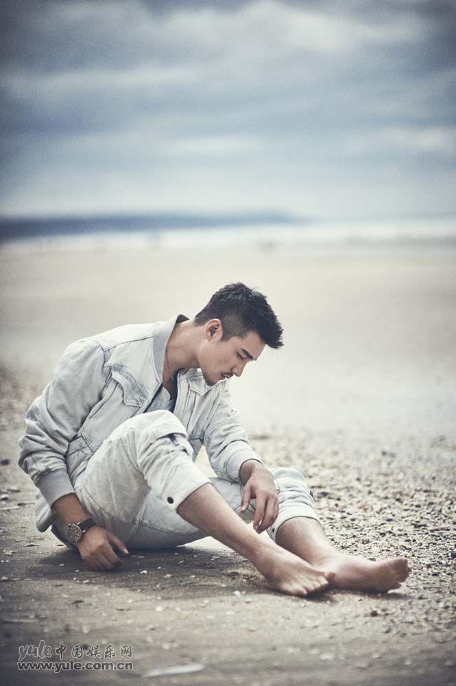 胡兵海滩大片-白色牛仔夹克3