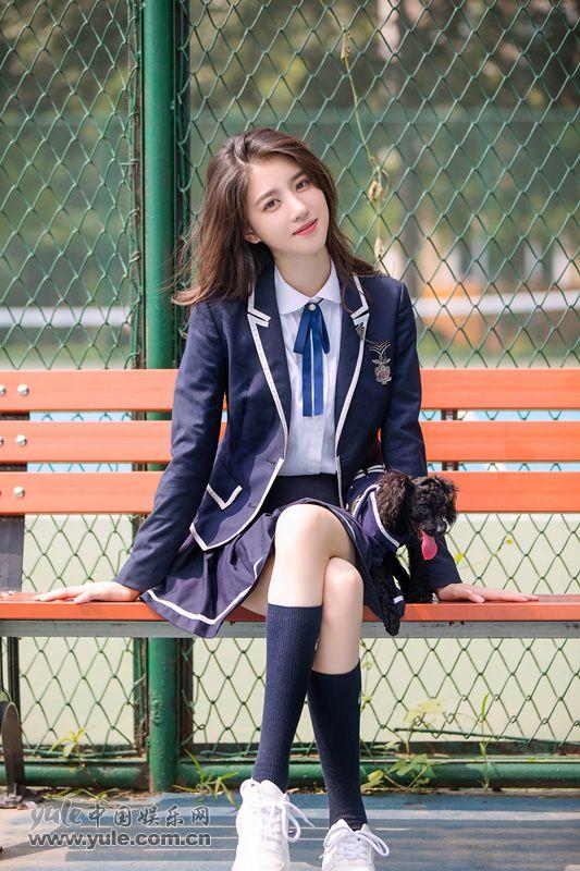 李凯馨校服写真青春真好
