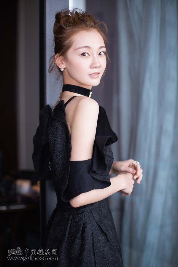 芳华苗苗黑裙