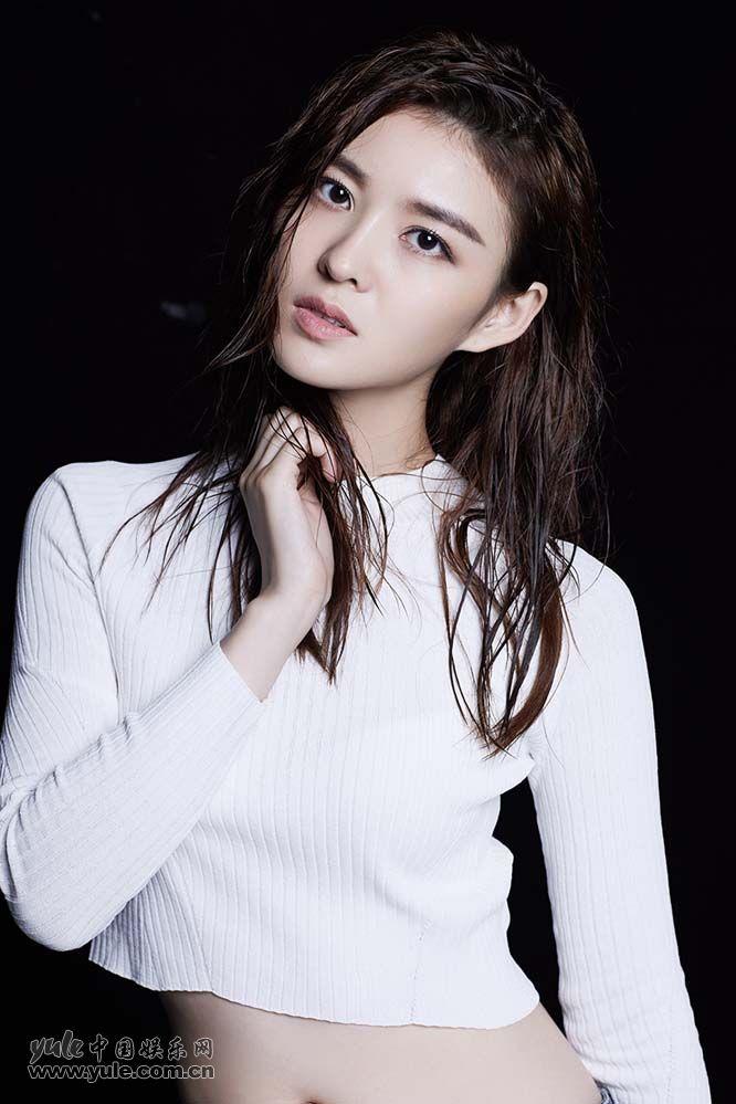 王佳宇写真秀纤细好身材