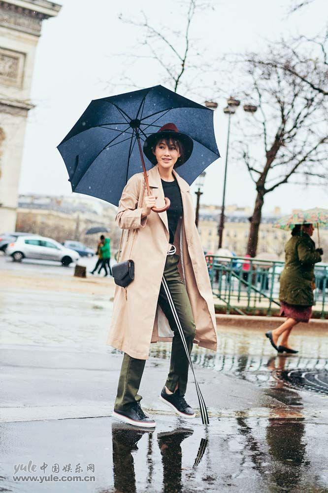 陈燃 雨中散步
