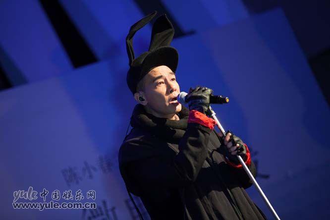 陈小春演唱《主题曲》