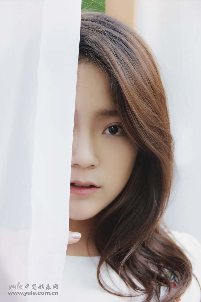 小迪丽热巴王莲少女写真5