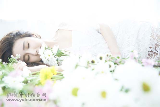 方安娜最新写真 简单干净极限可人 (1)