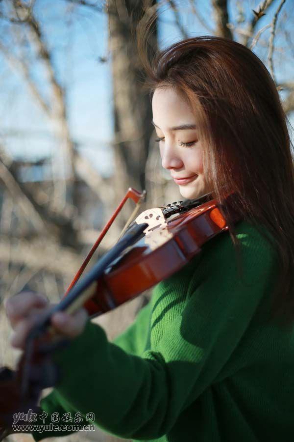 张南拉小提琴