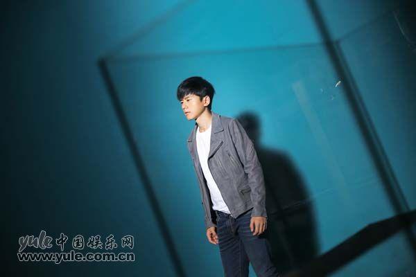 张杰最新EP《越爱越强》