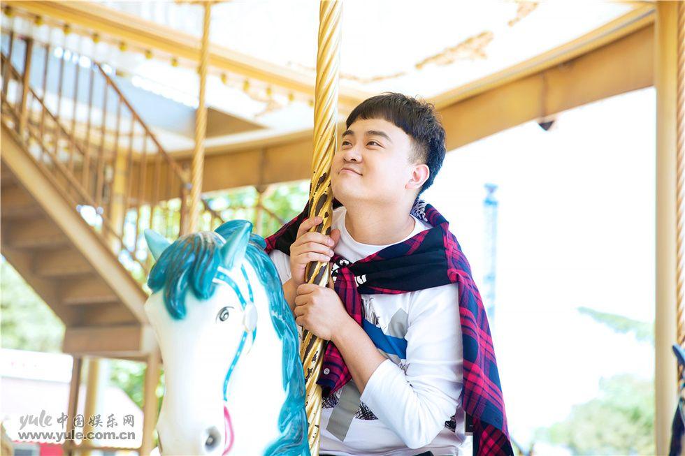 孔连顺儿童节写真