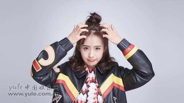 郑合惠子青春亮丽