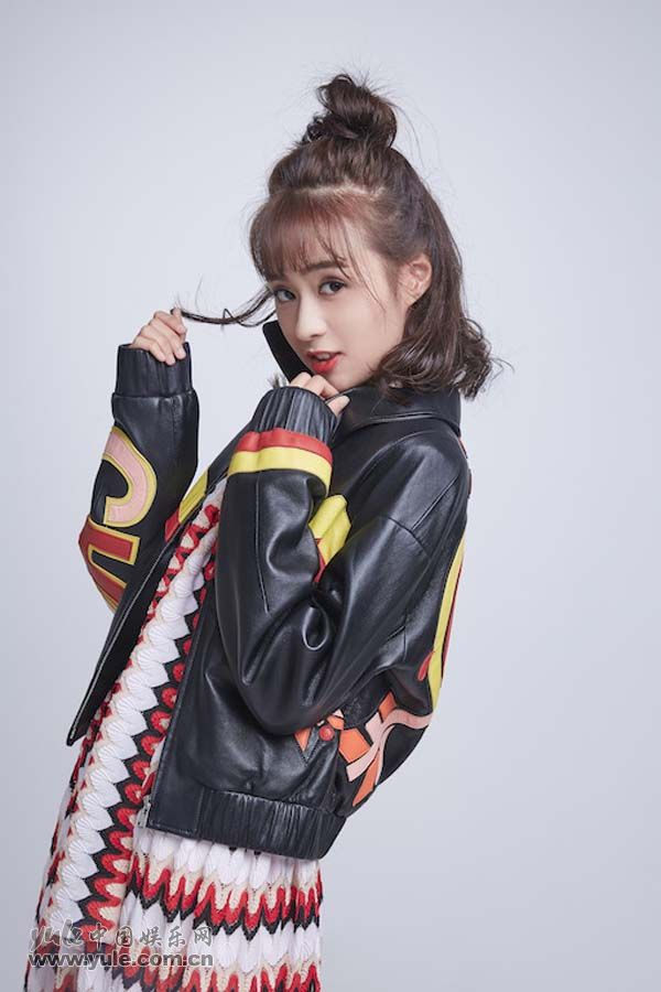 郑合惠子微笑甜美