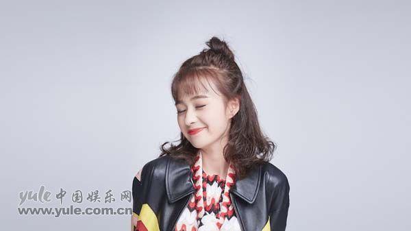 郑合惠子笑容甜美(2)