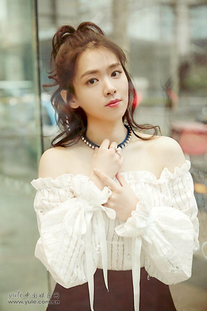 陈昊宇 甜美