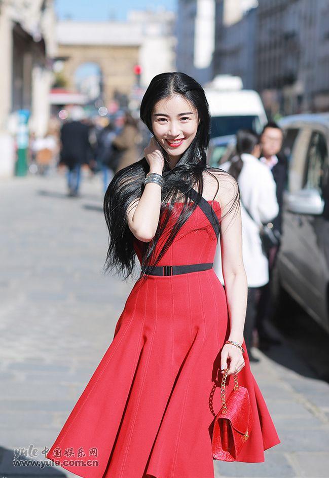 张辛苑笑容甜美