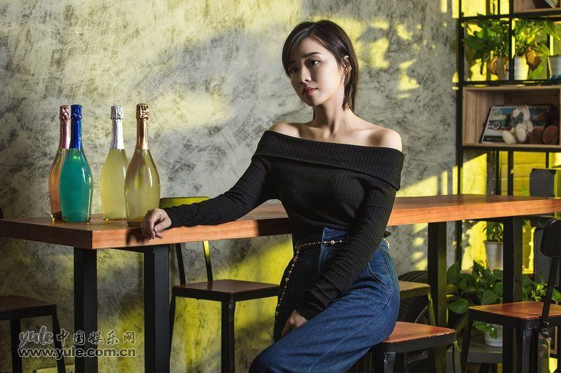 李艺 (4)
