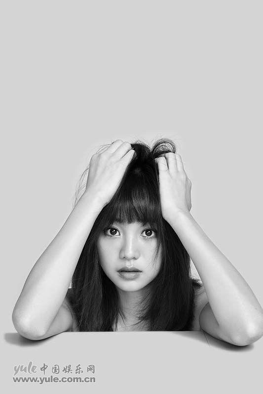 胡意旋黑白肖像写真