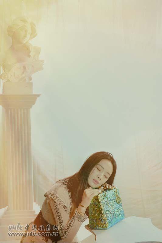 4 李梦上海出席品牌活动 白纱长裙造型如梦似幻