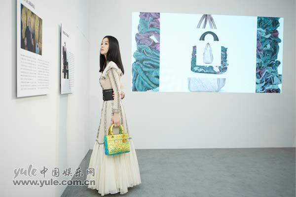 5 李梦上海出席品牌活动 白纱长裙造型如梦似幻