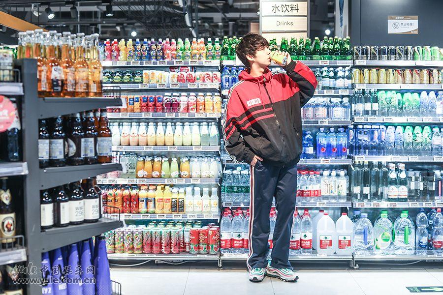 李仲璞超市写真
